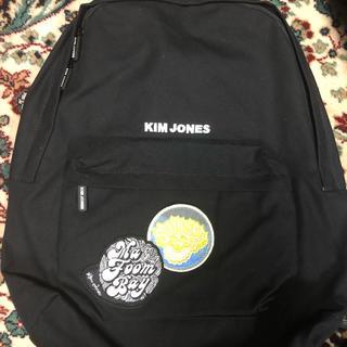 キムジョーンズ(KIM JONES)のKIM JONES GU バックパック 黒(バッグパック/リュック)