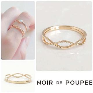 ノワール(NOIR)の美品 NOIR DE POUPEE ノワールドプーペ K10 クロスラインリング(リング(指輪))