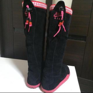 ナイキ(NIKE)のナイキ エア チャッカモック ハイ 黒 ブーツ(ブーツ)