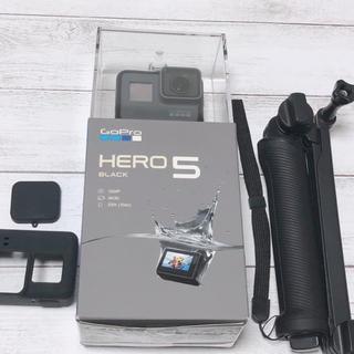 ゴープロ(GoPro)のGoPro HERO5 BLACK (SD32GB含む5点セット)(コンパクトデジタルカメラ)