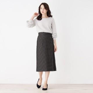 ラップ風ミモレ丈スカート