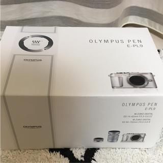 オリンパス(OLYMPUS)のOLYMPUS PEN E-PL9 ダブルレンズ  展示品 未使用(ミラーレス一眼)