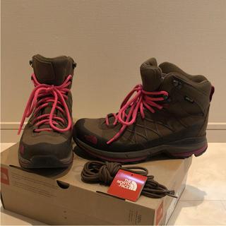 ザノースフェイス(THE NORTH FACE)の1度のみ使用 ザ ノースフェイス トレッキングシューズ 登山靴 24.5cm(登山用品)