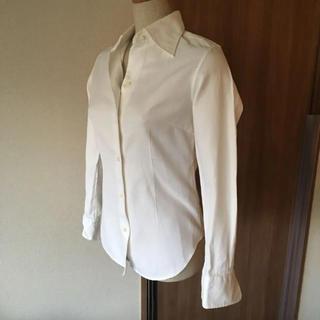 イヴォン(YVON)のYVON ホワイトシャツ(シャツ/ブラウス(長袖/七分))