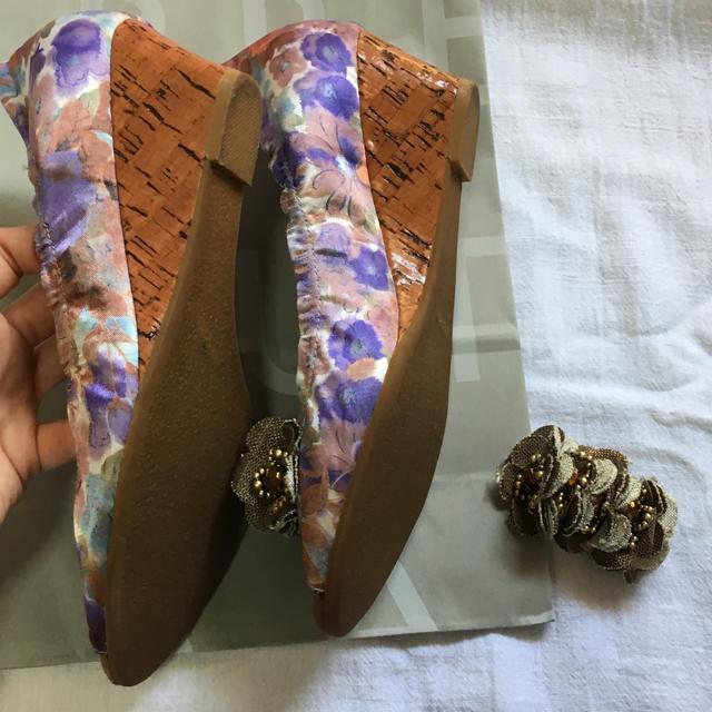 cavacava(サヴァサヴァ)のサヴァサヴァ フラワー パンプス レディースの靴/シューズ(ハイヒール/パンプス)の商品写真