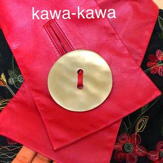 イアパピヨネ(ear PAPILLONNER)のkawa-kawa カワカワ 可愛い赤マフラー ソフトレザー日本製🇯🇵(マフラー/ショール)