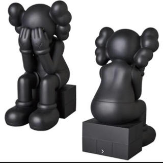 MEDICOM TOY - 未開封 KAWS PASSING THOUGH フィギュア