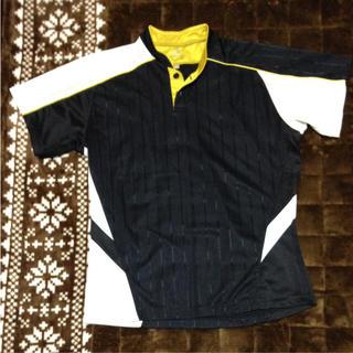 エスエスケイ(SSK)のSSK•ボタン付き Tシャツ(ウェア)