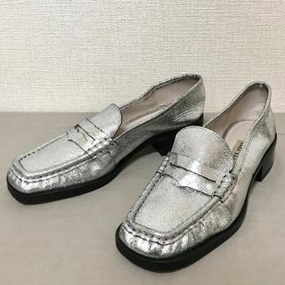 ザラ(ZARA)の★ ZARA BASIC ザラ べーシック ラメ光沢 ローファー シルバー 37(ローファー/革靴)