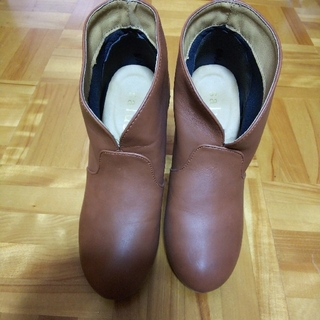 サルース(salus)のショートブーツ 茶色(ブーツ)