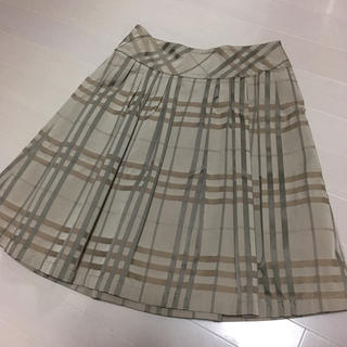 バーバリーブラックレーベル(BURBERRY BLACK LABEL)のスカート(ひざ丈スカート)