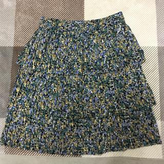 エマジェイム(EMMAJAMES)のプリーツスカート 花柄(ひざ丈スカート)