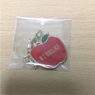エムジーウォレス(MZ WALLACE)のMZウォレス りんご アップル チャーム エムジーウォレス(チャーム)