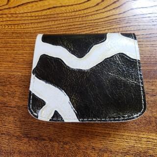 トチギレザー(栃木レザー)の超美品 小さいふ。 極小財布 クアトロガッツ コンチャ ジラフブラック  (財布)