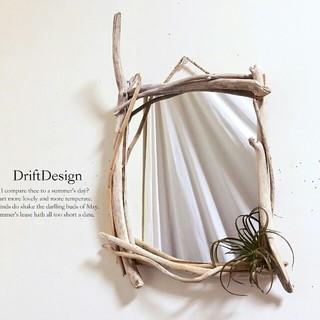 ~Drift Design~ 流木と造花のお洒落なアンティーク調壁掛けミラー(壁掛けミラー)