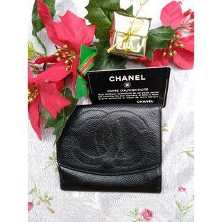 シャネル(CHANEL)の⑵シャネルキャビアスキン黒 折財布ダブルホック  (財布)