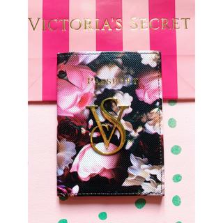 ヴィクトリアズシークレット(Victoria's Secret)のVictoria's Secret 「新品」花柄パスポートケース(名刺入れ/定期入れ)
