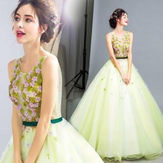 ヴェラウォン(Vera Wang)のグリーンドレス(ウェディングドレス)