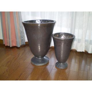 【交渉OK】陶器の鉢★大小2個★美品 傘立て等多様(プランター)