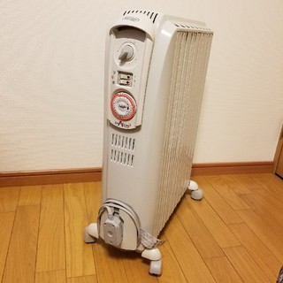 デロンギ(DeLonghi)の 【11月末まで出品】デロンギ ドラゴン3 オイルヒーター(オイルヒーター)