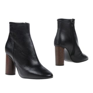 アーバンアウトフィッターズ(Urban Outfitters)の定価約3.8万→15999早い者勝ち‼️新品正規品スペイン大人気ブランド  (ブーツ)