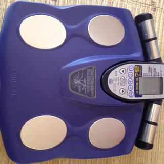 オムロン(OMRON)の体脂肪計(体脂肪計)