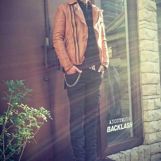 イサムカタヤマバックラッシュ(ISAMUKATAYAMA BACKLASH)のジャパンダブルショルダータンニン製品染めWライダース 【BACKLASH】(ライダースジャケット)
