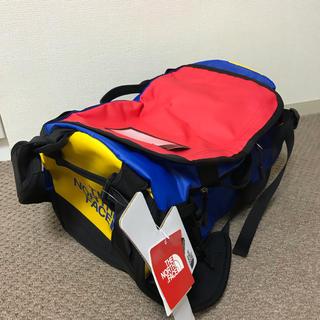 ザノースフェイス(THE NORTH FACE)の限定色 ノースフェイス ダッフルバッグ XS 赤 青 黄色 黒 新品 BK(ドラムバッグ)