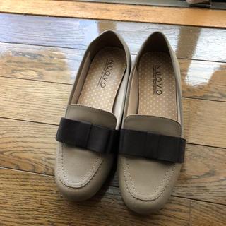 ヌォーボ(Nuovo)のリボン付きローファー(ローファー/革靴)