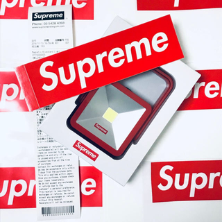 Supreme - 【即発送/赤】Supreme Magnetic Kickstand Light