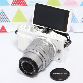 オリンパス(OLYMPUS)の☆人気のホワイト☆オリンパス E-PL6 レンズキット&WifiSD(ミラーレス一眼)
