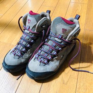 トレクスタ(Treksta)の登山靴(登山用品)