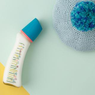 ベッタ(VETTA)の新品✨Betta✨ベッタ✨哺乳瓶 200ml フラワー(哺乳ビン)