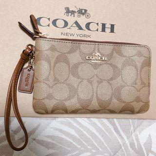 コーチ(COACH)の新品☆COACH ポーチ パスポートケース 財布 シグネチャー ☆(旅行用品)