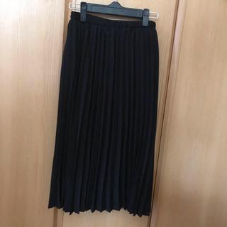 ジーユー(GU)のGU ジーユー プリーツスカート(ひざ丈スカート)