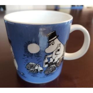 アラビア(ARABIA)の1999年廃盤 稀少 美品 ムーミンパパ マグカップ ダークブルー(グラス/カップ)
