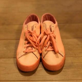 アディダス(adidas)のADIDAS Courtvantage Tonal Ref(スニーカー)