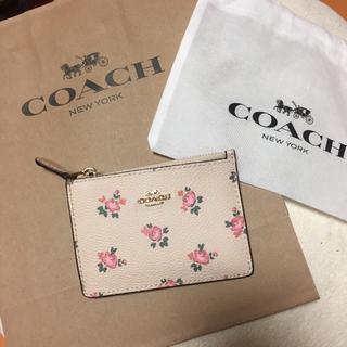 コーチ(COACH)のCOACH パスケース ピンク 花柄  上品 可愛い コーチ 定期入れ 新品(名刺入れ/定期入れ)
