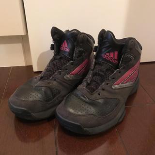 アディダス(adidas)のadidas アディダス バスケットシューズ 20センチ 黒 ブラック ピンク(バスケットボール)