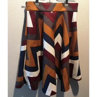 シェイクシェイク(SHAKE SHAKE)のスカート(ひざ丈スカート)