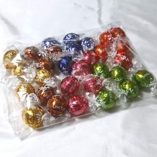 コストコ(コストコ)の新品☆6種類 30粒  リンツ リンドール チョコレート (菓子/デザート)