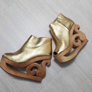 ジェフリーキャンベル(JEFFREY CAMPBELL)のジェフリーキャンベル スケート ゴールド 金 36 レザー オープントゥ(ブーツ)