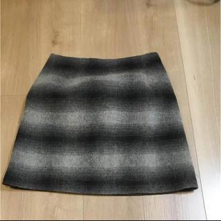 ジーユー(GU)のスカート(ひざ丈スカート)
