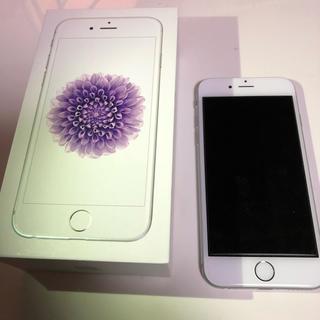 アイフォーン(iPhone)の超美品 iPhone6 16GB シルバー au (スマートフォン本体)