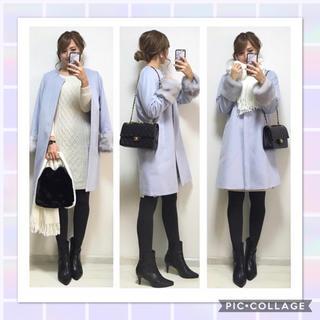 ジーユー(GU)の♡新品 GU ファー付きノーカラーコートM♡ファー付きコート水色(ロングコート)