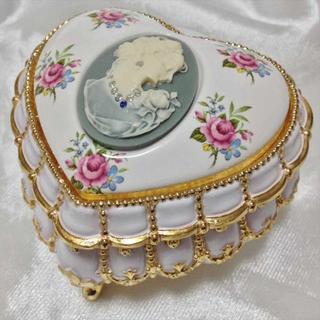 サンキョー(SANKYO)のスワロフスキー  宝石箱 オルゴール ホワイト/グレー エーデルワイス(オルゴール)