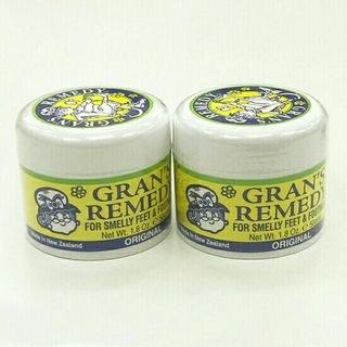 グランズレメディ(Gran's Remedy)の【2個セット】グランズレメディ 靴の消臭剤 50g 無香料 新品未開封(フットケア)