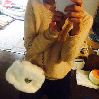 サマンサベガ(Samantha Vega)のサマンサベガ白のファーパーティバッグ(クラッチバッグ)