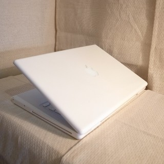 マック(Mac (Apple))のMacBook 500GB大容量13インチ DVD搭載 Office(ノートPC)