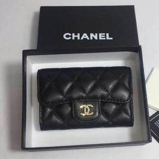 CHANEL 小さな財布